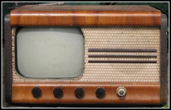 Jak vypadala původní televize v roce 1953 ?