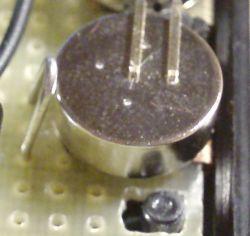 Detail držáku baterií
